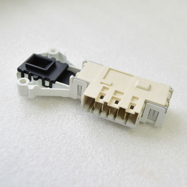 a256:2.jpg Блокировка люка Indesit нового образца