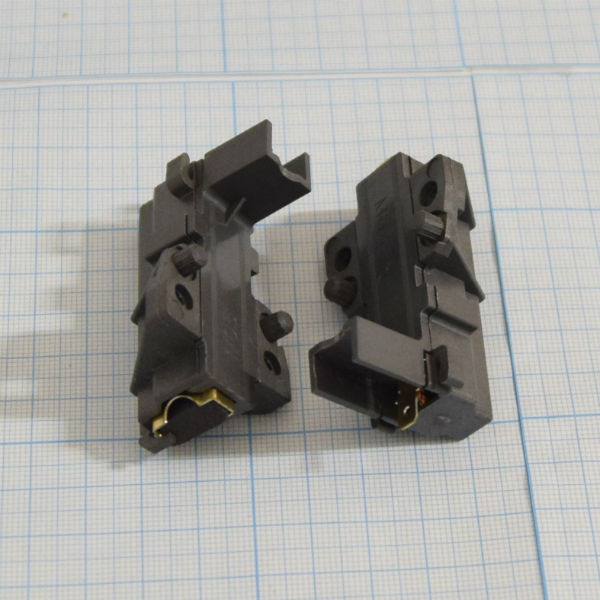 Щетки 4,9*13,5*40 мм в корпусе